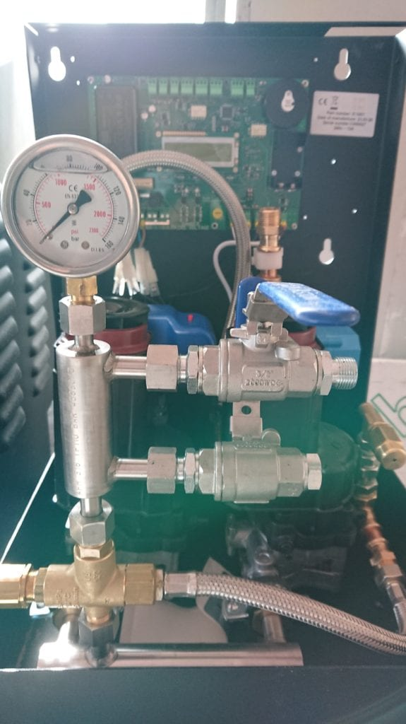 water mist system - the pressure dial 2